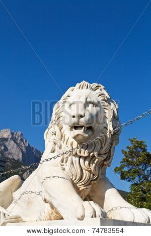 Medici Lion Near Alupka Palace And Ai-petri Rock