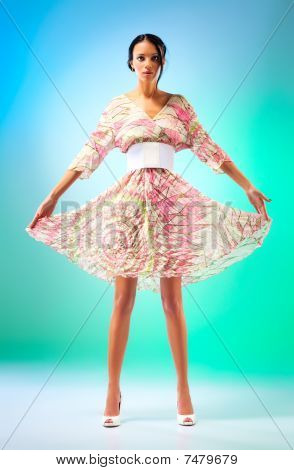 junge schlanke Frau