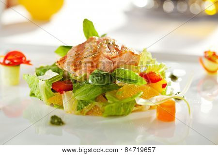Warm Salad with Grilled Salmon and Vegetables