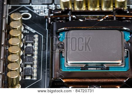 CPU and Capacitors in Computer