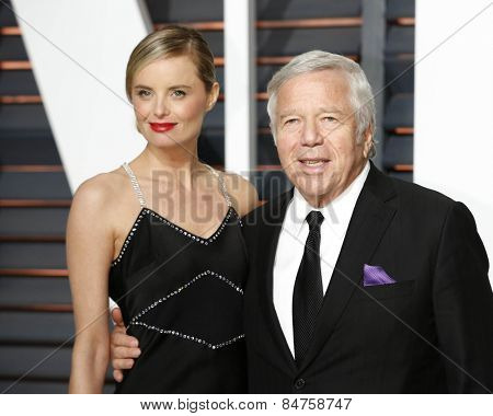 LOS ANGELES - FEB 22:  Ricki Lander, Robert Kraft at the Vanity Fair Oscar Party 2015 at the Wallis Annenberg Center for the Performing Arts on February 22, 2015 in Beverly Hills, CA
