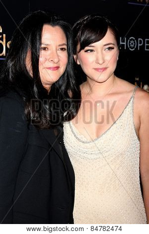 LOS ANGELES - FEB 27:  Marsha Garces Williams, Zelda Williams at the Noble Awards at the Beverly Hilton Hotel on February 27, 2015 in Beverly Hills, CA