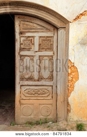 Antique, hand crafted wooden door, Stone Town, Zanzibar