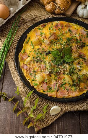 Egg Omeletta With Ham And Herbs