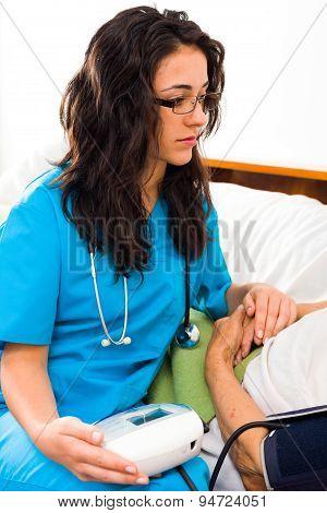 Using Digital Blood Pressure Gauge
