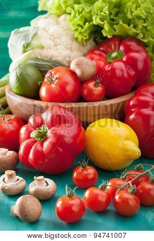 vegetables tomato pepper avocado onion cauliflower lettuce