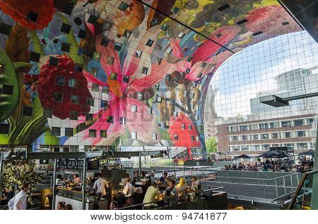 Rotterdam, Netherlands - May 9, 2015: Retail Shop In Markthal (market Hall) A New Icon In Rotterdam.
