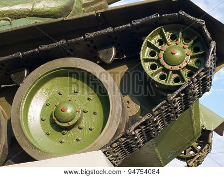 The front wheels of the T-34