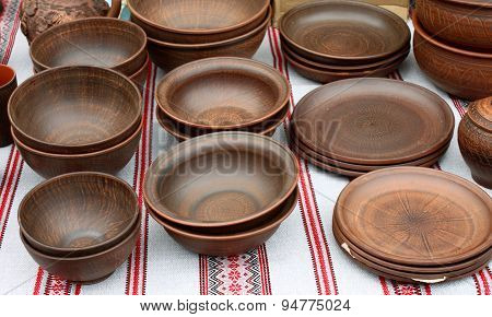ecological clay pottery ceramics sold in market