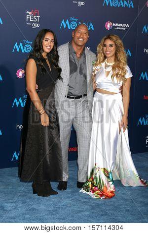 LOS ANGELES - NOV 14:  Simone Alexandra Johnson, Dwayne Johnson, Dinah-Jane Hansen at the