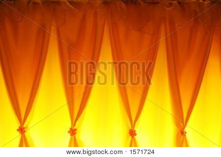 Yellow  Curtain  4532