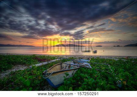 Abandoned Bajau fisherman boat at Kg Kibagu,