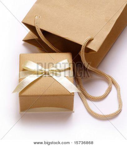 Una caja de regalo