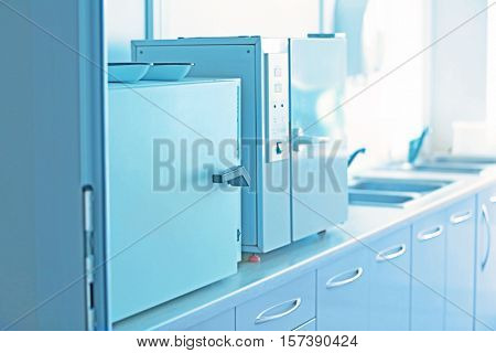 Apparatus for sterilizing of medical instruments in gynecological room