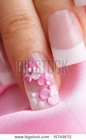 uñas de manicura francesa, diseño elegante