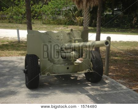 US M1 57MM six pounder anti-tank gun.