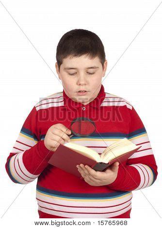 Boy ein Buch zu lesen