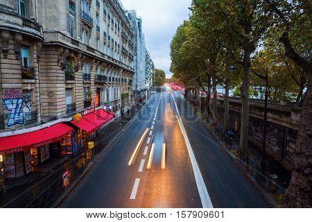 Avenue Du President In Paris At Dusk