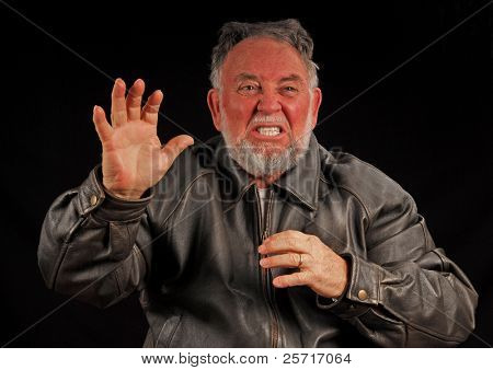 Homem irritado ou chateado