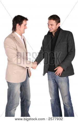 Apretón de manos de dos amigos