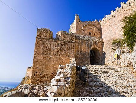 Velho forte em Corinto, Grécia