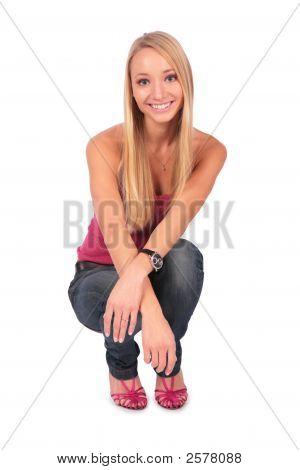 hübsches Mädchen sitzen
