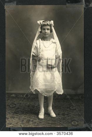 Vintage 1910 Girl Photo