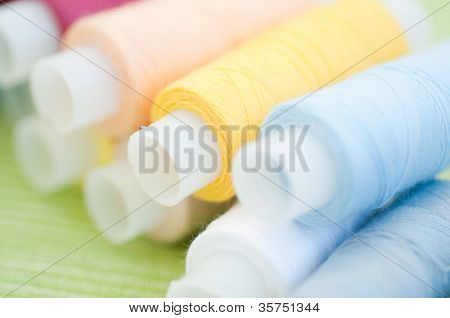 Colorful thread reels. small DOF