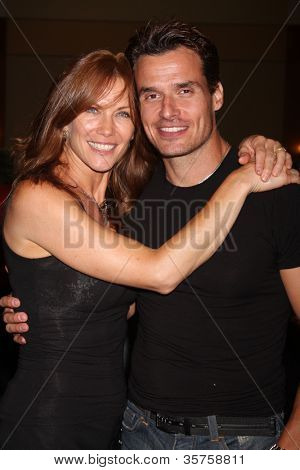 LOS ANGELES - AUG 4:  Stacy Haiduk, Antonio Sabato Jr. appearing at the