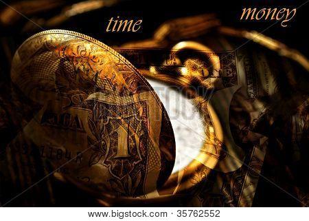 Conceitual da imagem de 'Tempo é dinheiro'.  Montagem criada com macro de relógio de bolso antigo misturado wi