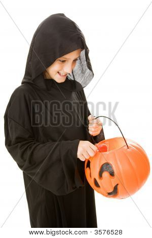 Halloween - Whats In The Bucket