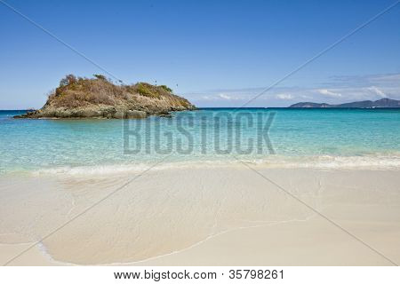trunk bay, us virgin islands, with no people
