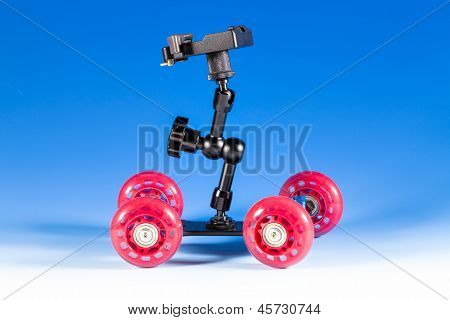 Skateboard camera dolly for video shooting