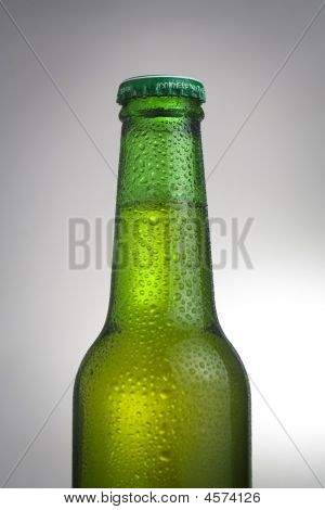 Cerveza fresca y fría y sabrosa