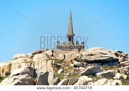 Granite Pyramid Dedicated To The Victims Of The S�millante Shipwreck, Lavezzi Island, Corsica,Fran