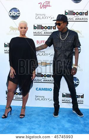LOS ANGELES -  MAY 19:  Wiz Khalifa and Amber Rose arrives at the Billboard Music Awards 2013 at the MGM Grand Garden Arena on May 19, 2013 in Las Vegas, NV
