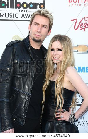 LOS ANGELES -  MAY 19:  Avril Lavigne and Chad Kroeger arrive at the Billboard Music Awards 2013 at the MGM Grand Garden Arena on May 19, 2013 in Las Vegas, NV