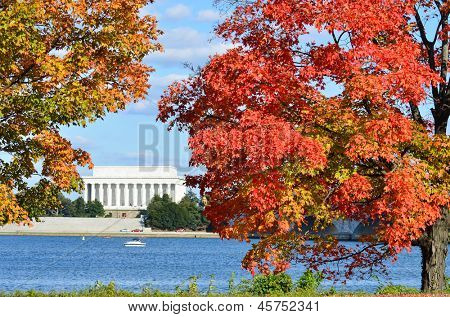 Washington DC, Lincoln Memorial in Autumn