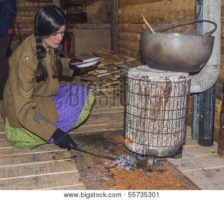 Wwi Volunteer Woman Cooks A Soup At The Mess Hall