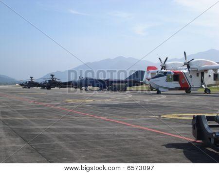 Aircrafts at Lima Langkawi Air Show 2009
