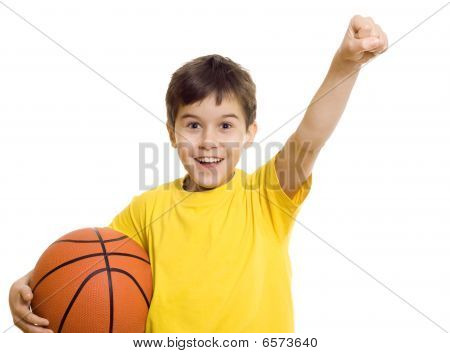 Happy Boy mit Basketball