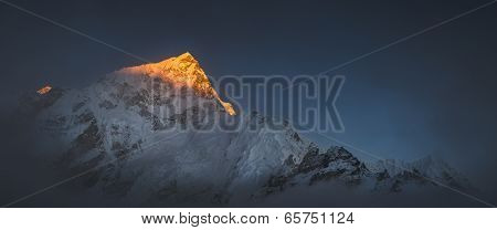 Himalya Summits Everest And Nuptse At Sunset