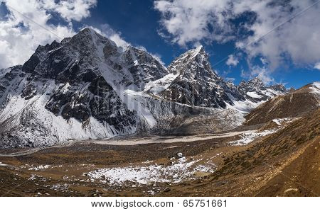 Cholatse Peak And Pheriche Valley In Himalayas