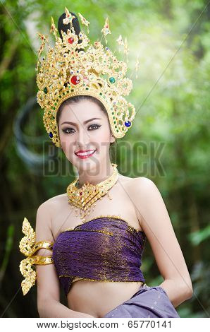 Thai Women In National Costume