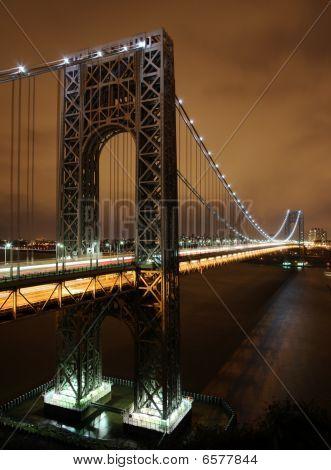 Gw_bridge_at_night_vertical