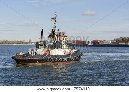 Tugboat Antwerpen 41 in the port of Antwerp