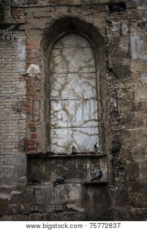 old gothic window, Spanish city of Valencia, Mediterranean architecture