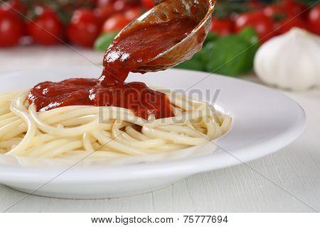 Cooking Spaghetti Noodles Pasta: Serving Tomato Sauce Napoli
