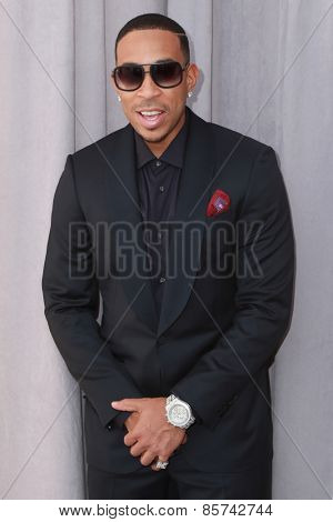 LOS ANGELES - MAR 14:  Ludacris, Chris Bridges at the Comedy Central Roast of Justin Bieber at the Sony Pictures Studios on March 14, 2015 in Culver City, CA