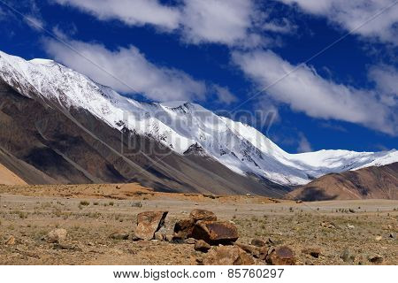 Snow Peak Mountains Of Ladakh, Changla Pass, Leh, Jammu And Kashmir, India